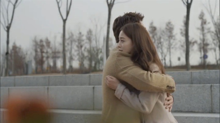 Tae Hee confesses to Sara