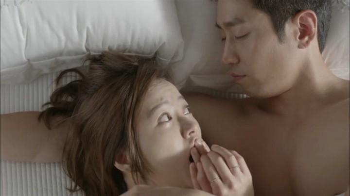 Yeo Reum sleeps over at Tae Ha's