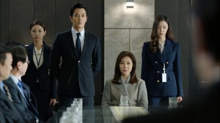 jung hwan saves yoon ji sook